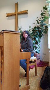 Unsere Chorleiterin Cordelia Böhm